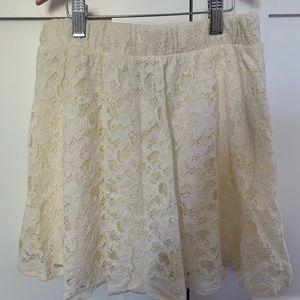 FOREVER 21 Cream-Coloured Skirt